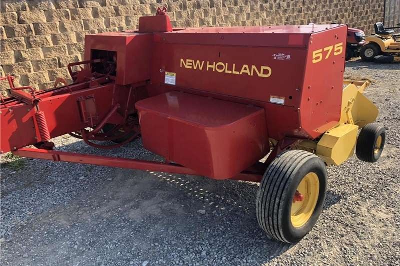 Hay and Forage Balers New Holland 575 Small Square Baler