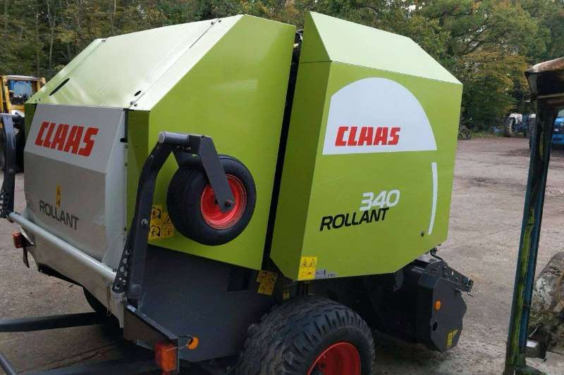 Claas Balers Claas 340 Round Baler twine and net ready to bale Hay and forage