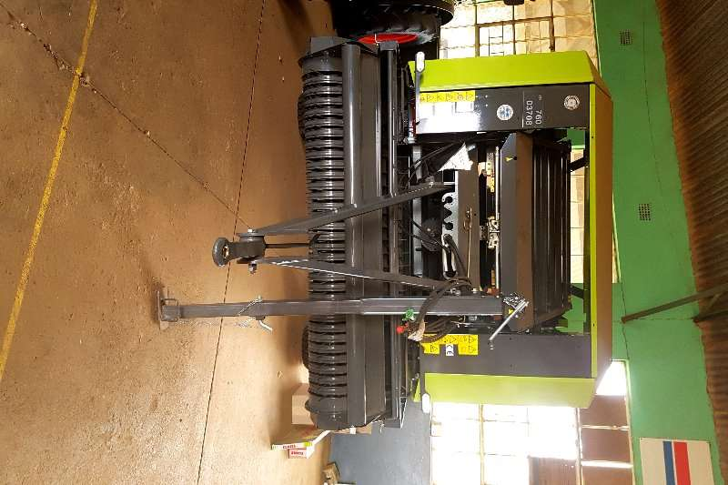 Hay and Forage Claas Balers Rollant 340 2017