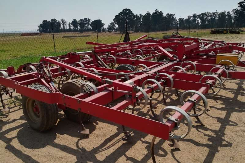Hay and Forage Cultivator Rakes Kongskilde vibrotil 2900 0