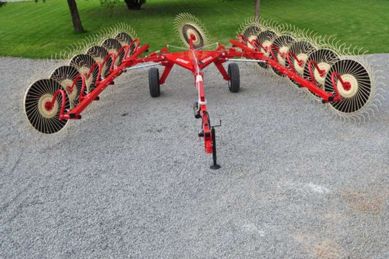 Enorossi Rakes Pull Type V Rake Hay and forage