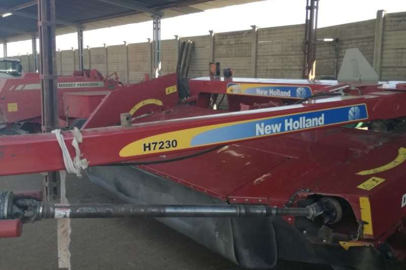 Hay and Forage New Holland Balers NEW HOLLAND H7230 8 DISC MOWER CONDITIONER 2016