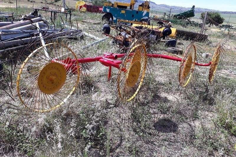Rakes 5 Toll rake for sale. Hay and forage