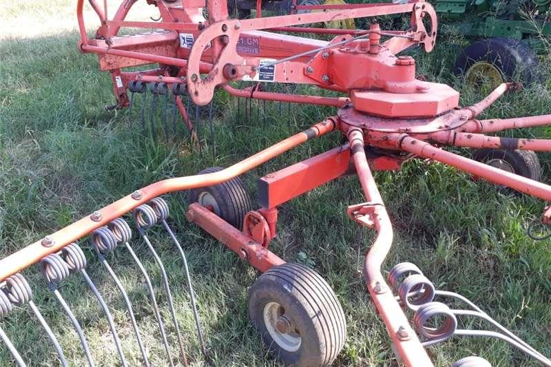 Rakes Hark master drive kuhn 4121 krag hark Hay and forage