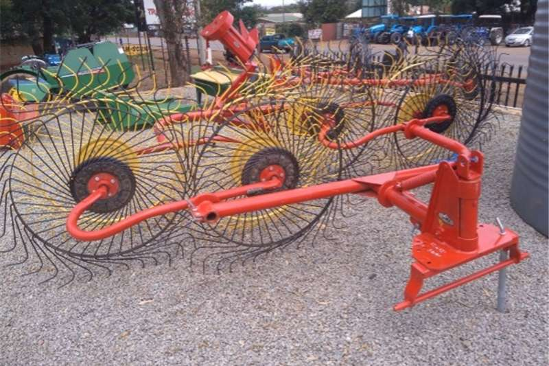 Rakes S2687 Red BPI 4 Wheel Rake / 4 Tol Hark (4098) New Hay and forage