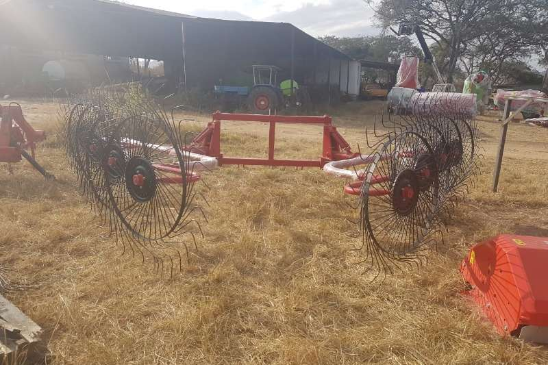 Hay and Forage Rakes V Type 8 wheel rake 2018