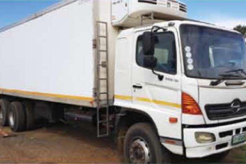 Hino Trucks Double Axle Hino15-258 Refrigerated Body 2016