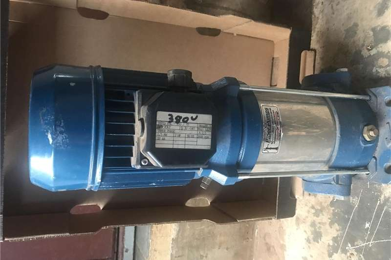 Irrigation pumps Multistage pump 3 phase, 80 meter head, new never Irrigation