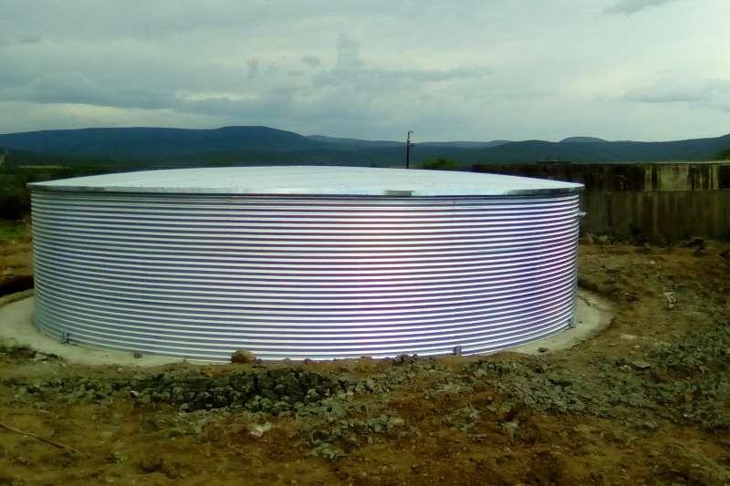 MAXIFLEX DAM 8.9 X 2.3 / 143000L MET STAAL DAK Irrigation