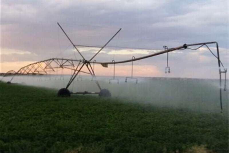Irrigation Sprinklers and Pivots Centre pivot irrigation systems