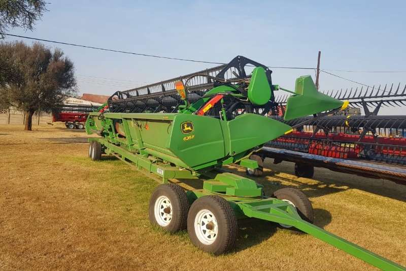 John Deere Combine Harvesters and Harvesting Equipment 2017 John Deere 635F tafel 2017