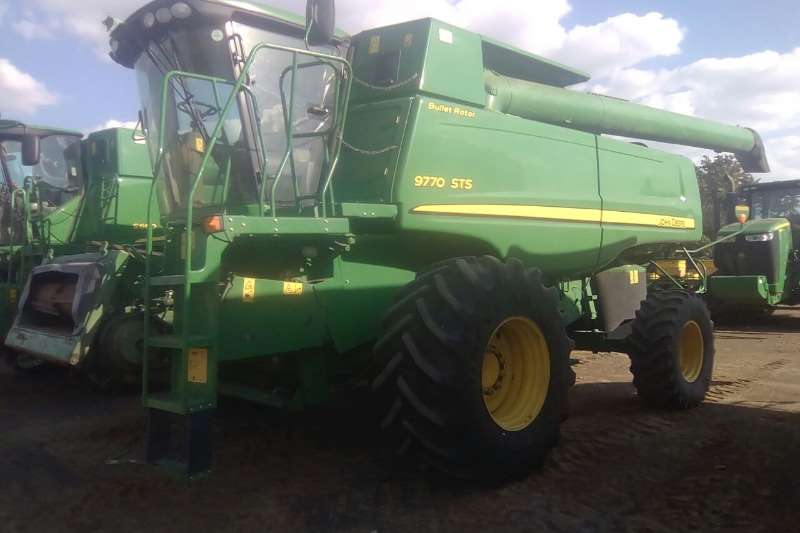 John Deere Combine Harvesters and Harvesting Equipment 9770 STS 2008