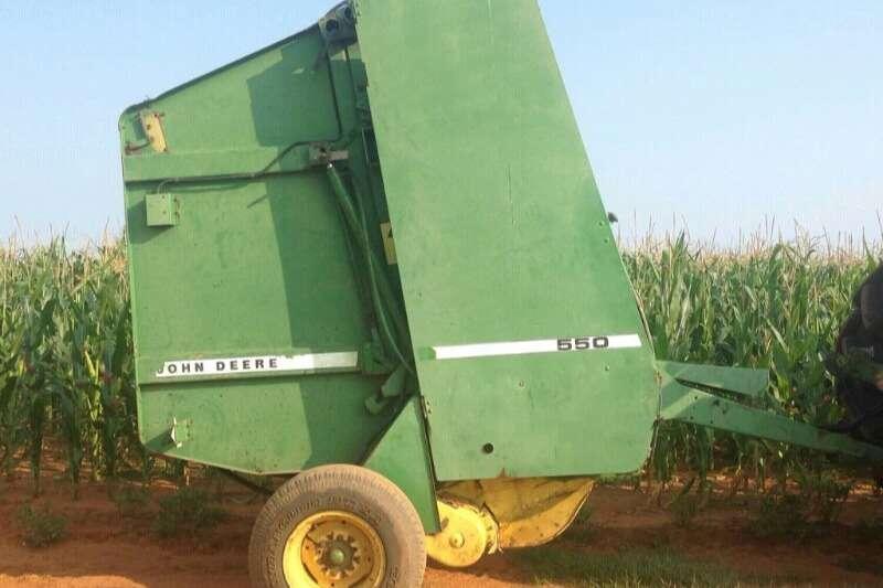 John Deere Combine Harvesters and Harvesting Equipment Forage Harvesters 550 Baler