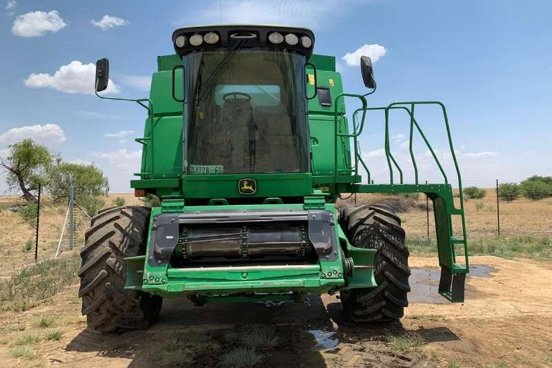 John Deere Grain harvesters John Deere 9670 STS + JD 625F Combine harvesters and harvesting equipment