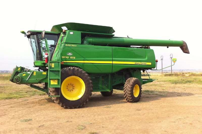John Deere Grain harvesters John Deere 9770 STS Combine harvesters and harvesting equipment