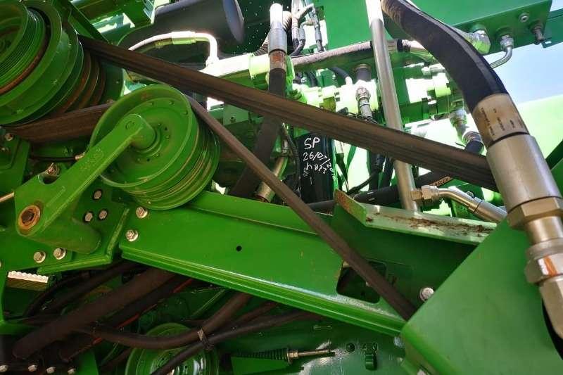 John Deere Grain harvesters John Deere S 660 Combine harvesters and harvesting equipment