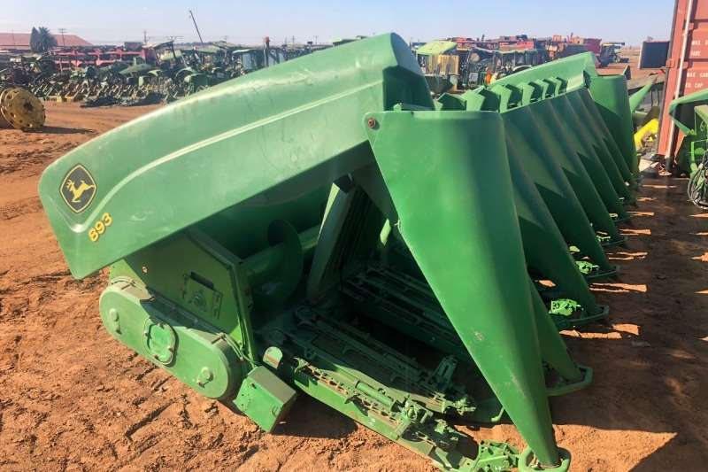 John Deere Combine Harvesters and Harvesting Equipment Maize Heads John Deere 1293