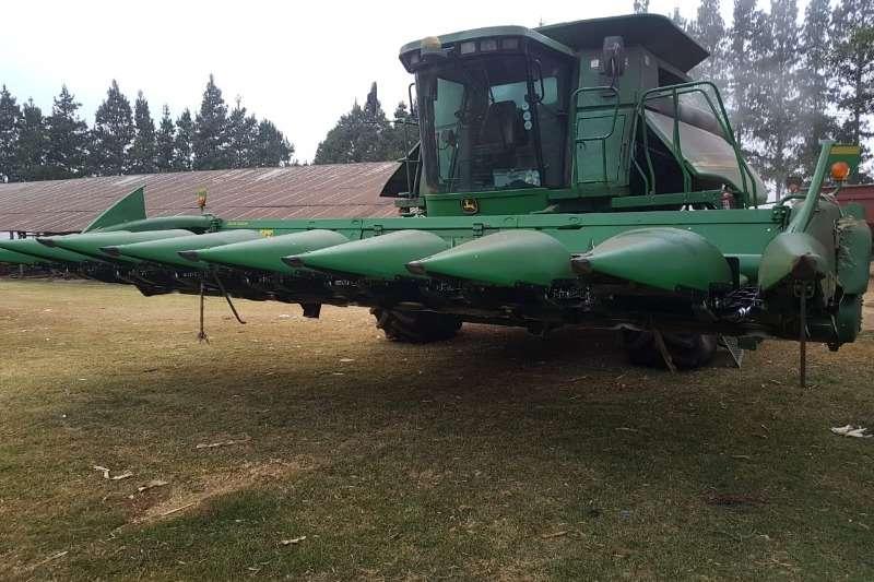 John Deere Combine Harvesters and Harvesting Equipment Maize Heads John Deere 608 C