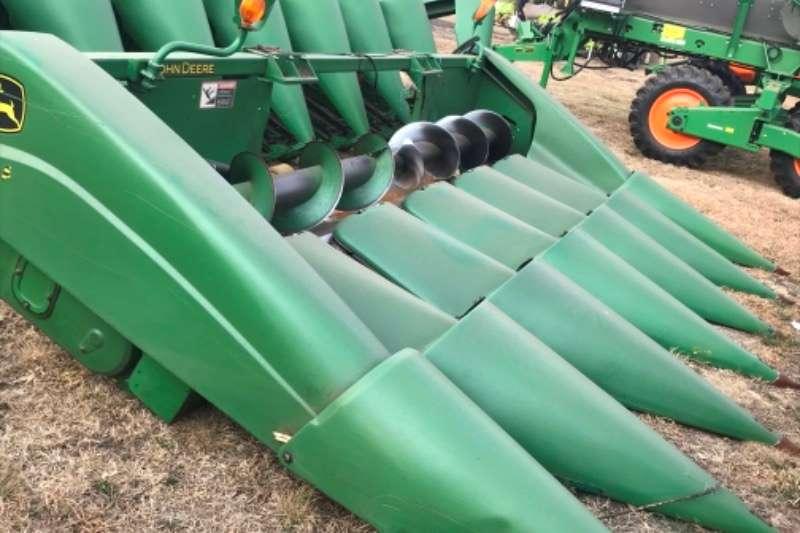 John Deere Combine Harvesters and Harvesting Equipment Maize Heads John Deere 693 Mielie Tafel
