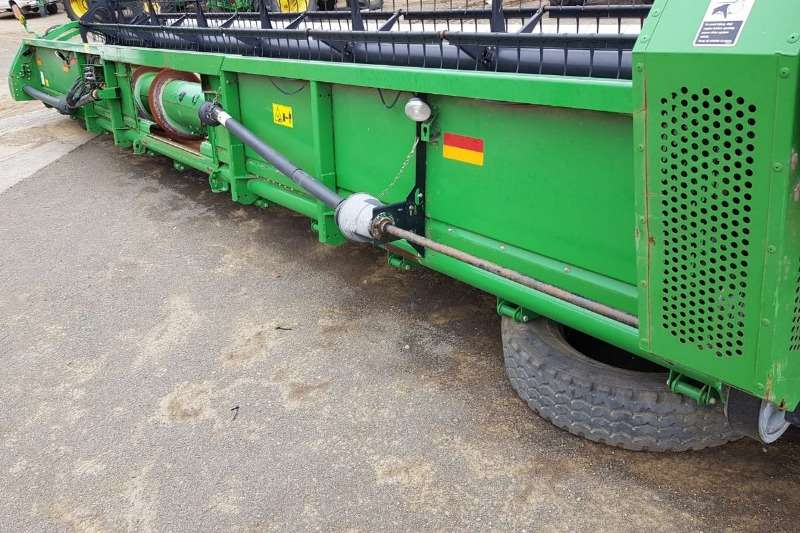 John Deere Other heads John Deere 635 F + AWS Reel Combine harvesters and harvesting equipment