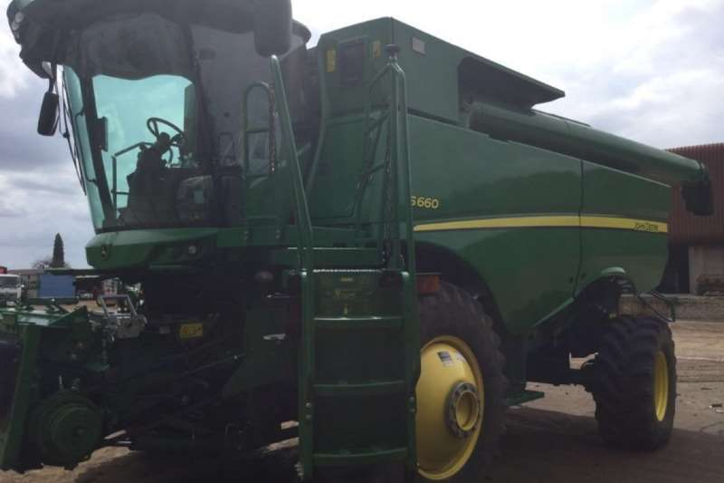 John Deere S660S STS Combine harvesters and harvesting equipment