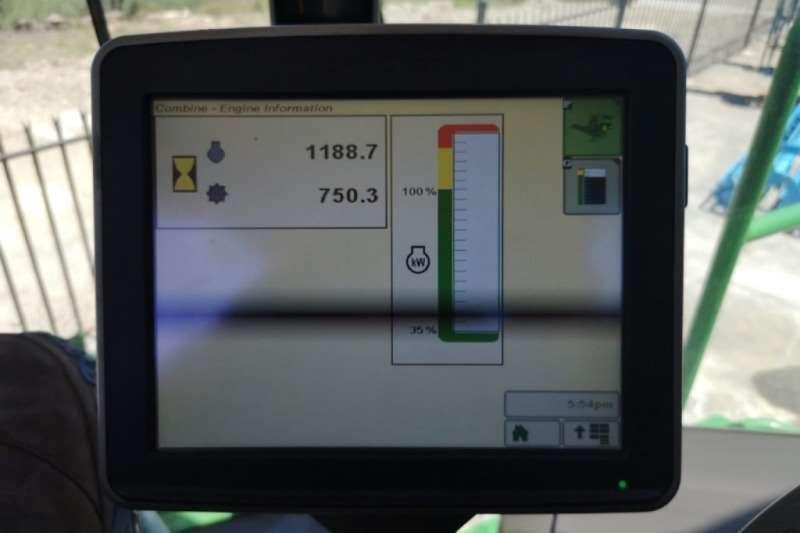 John Deere S670 STS Combine harvesters and harvesting equipment