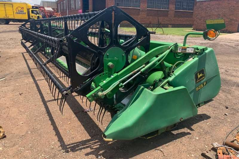 John Deere Wheat heads John Deere 925F Head.   Imported. Combine harvesters and harvesting equipment