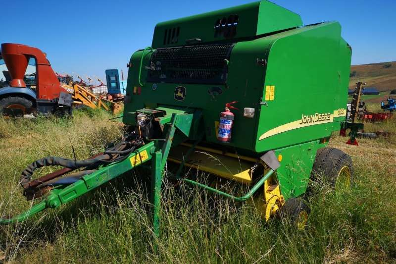 John Deere Balers John Deere 568 Round Baler with Net Hay and forage