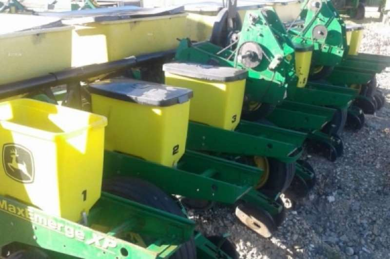 John Deere Planting and Seeding 1750 8 Row 0.76m Planter 2006