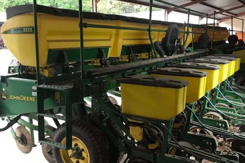 John Deere Drawn planters 1111 6x76cm Planting and seeding