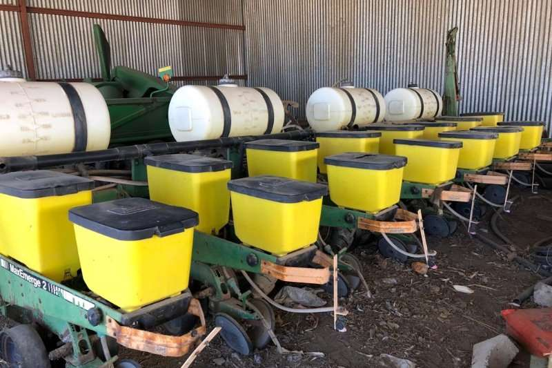 John Deere Drawn planters John Deere 8ry 91cm Planter Planting and seeding