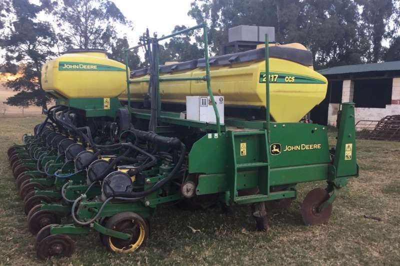 John Deere Planting and Seeding Other Planting and Seeding John Deere 2117 CCS