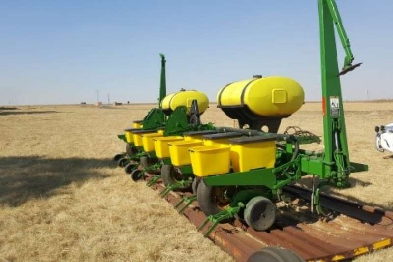John Deere Planting and Seeding Row Units John Deere 8 ry