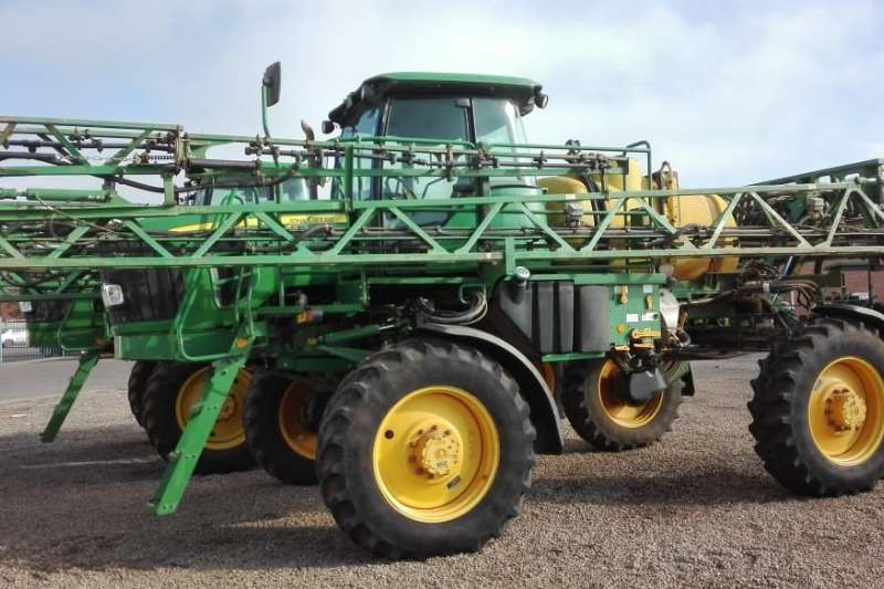 John Deere Sprayers and Spraying Equipment High Clearance Sprayers John Deere 4630 Wide 2011