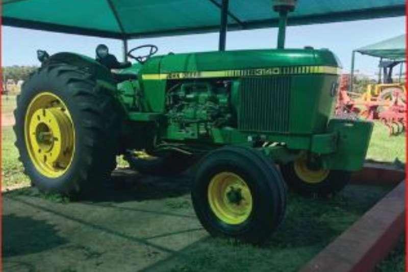 John Deere Tractors 3140