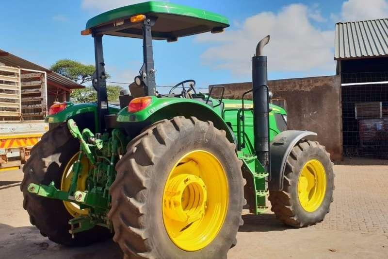 John Deere Four wheel drive tractors John deere 6105 M Tractors
