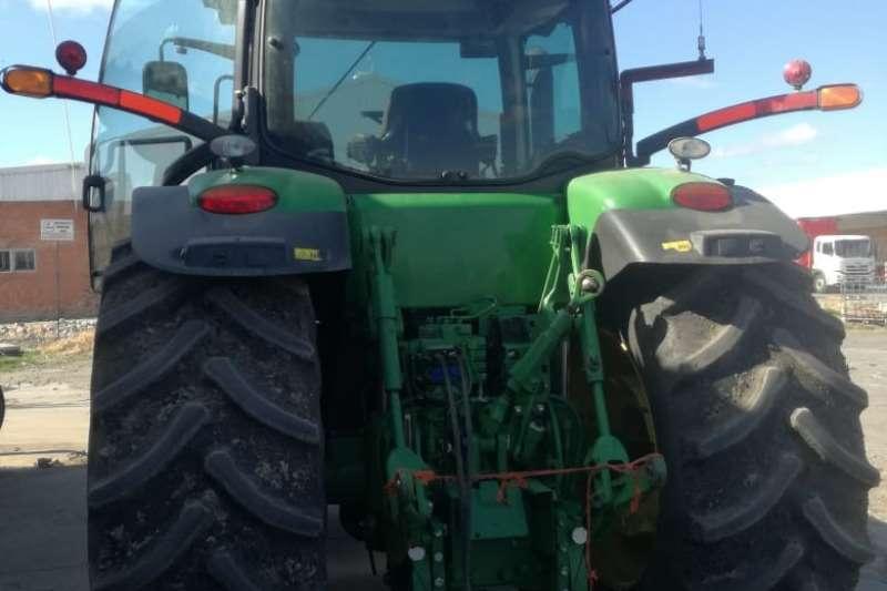 John Deere Four wheel drive tractors John Deere 7230 R Tractors