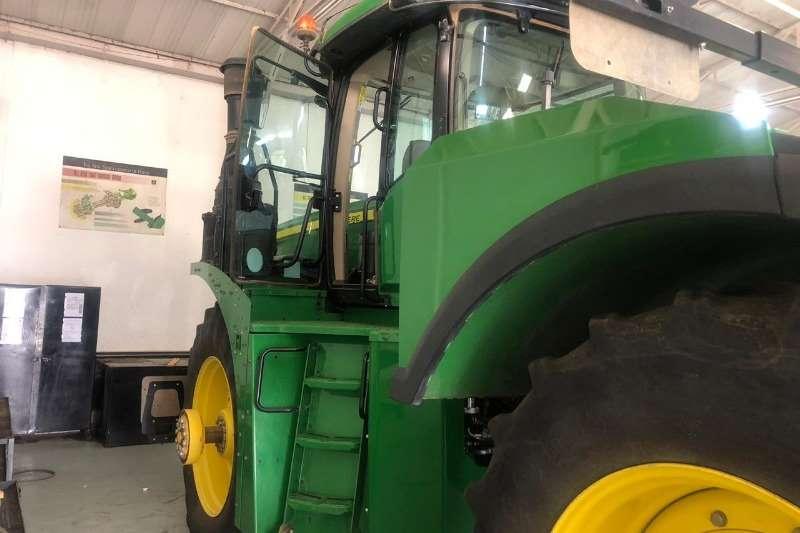 John Deere Four wheel drive tractors John Deere 9570 R Tractors
