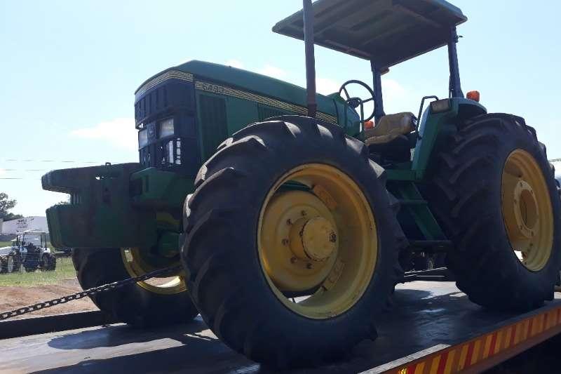 John Deere JOHN DEERE 6400 4X4 Tractors