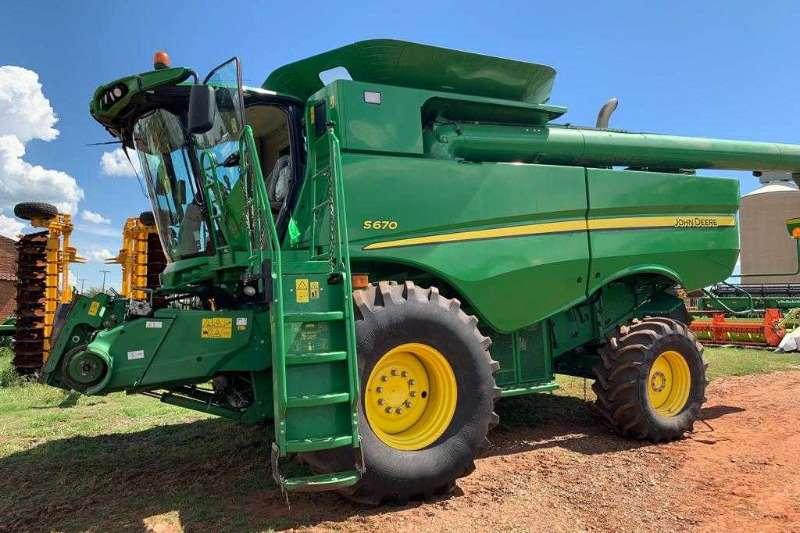 John Deere John Deere 660 Tractors