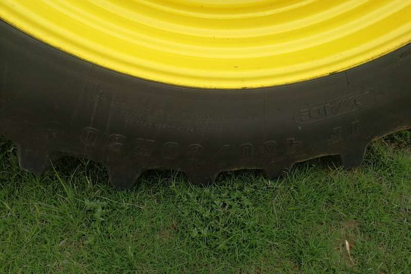 John Deere Row crop tractors John Deere 8245 R Tractors