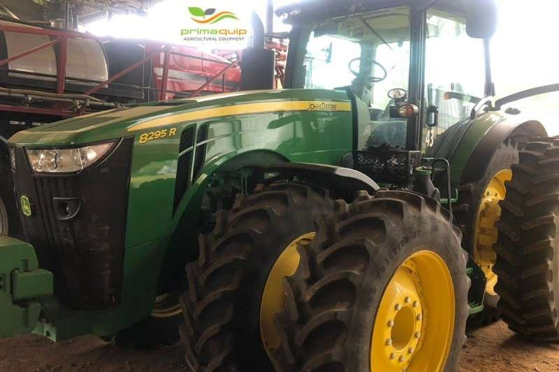 John Deere Row crop tractors John Deere 8295 R Tractors