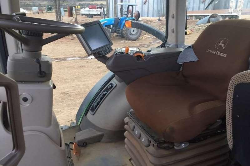 John Deere Row crop tractors John Deere 8320 R Tractors