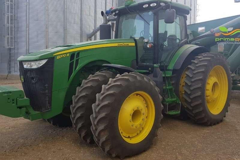 John Deere Row crop tractors John Deere 8370 R Tractors