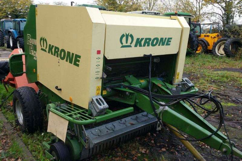 Krone Hay and Forage Balers Krone 1250 twine and net ready to bale