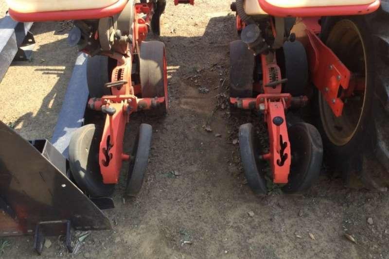 Kuhn Maxima 8 Row 0.9m Vacuume Dry Planter Planting and seeding