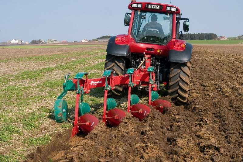 Kverneland Subsoiling ploughs KVERNELAND MOUNTED AB PLOUGH Ploughs