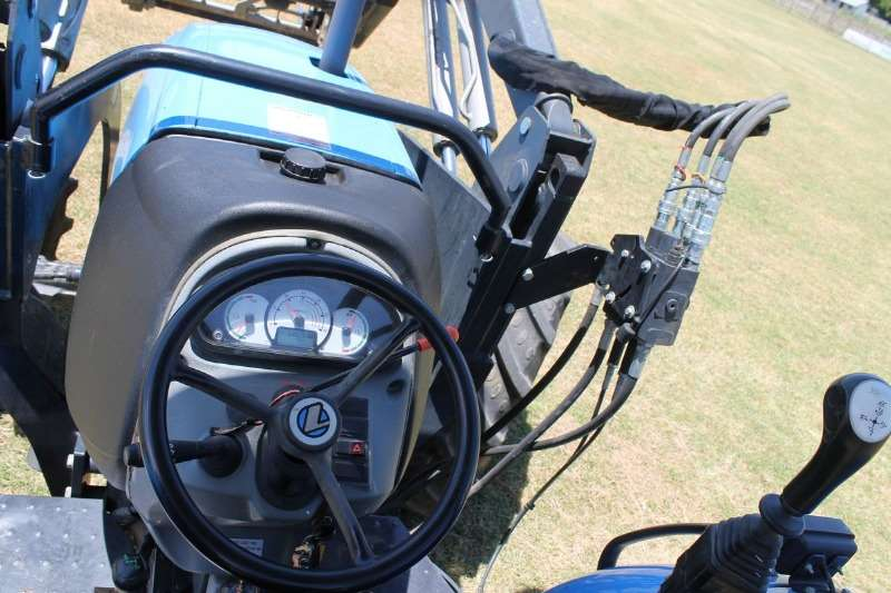 Landini Four wheel drive tractors Landini Globalfarm 100 + Sigma Loader Tractors