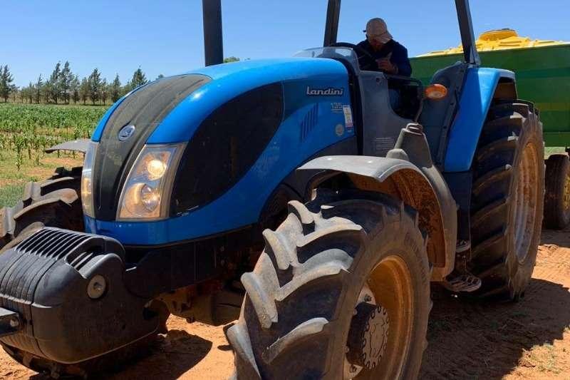 Landini Four wheel drive tractors Landini Landpower 135 Tractors