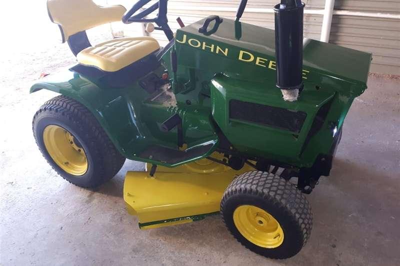Lawnmowers Sit  on Lawnmower Lawn equipment